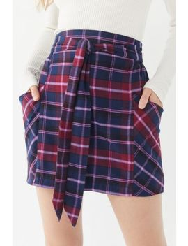 Uo Cameron Flannel Tie Front Mini Skirt by Urban Outfitters