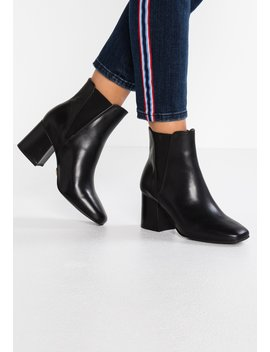 Horizon   Ankle Boot by Buffalo