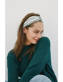 La Hearts White Fall Turban by Pacsun