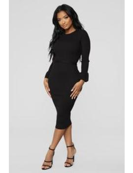 She's Sleek Ribbed Midi Dress   Black by Fashion Nova