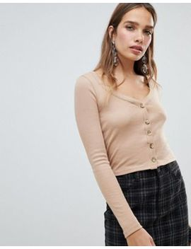 New Look – Ribbstickad Topp Med Knappar by Asos