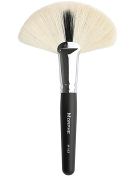 M143 Deluxe Soft Fan Brush by Morphe