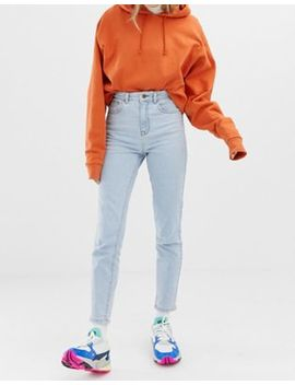 Collusion    Smalle Mom Jeans In Lichte Stone Wash by Asos