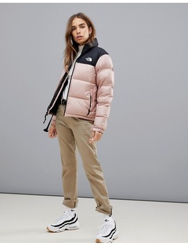 The North Face   1996 Nuptse   Giacca Da Donna Rosa by Asos