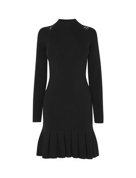 Pleated Hem Bodycon Dress by Kd113 Fd045 Zd519 Gd013 Dd044 Dd190 Dd003 Kd044 Kd062 Dd153 Hd005