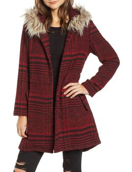 Play It Cool Coat With Faux Fur Trim by Bb Dakota