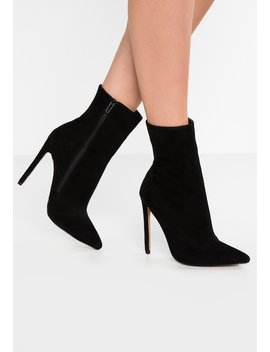 Weggy   High Heel Stiefelette by Steve Madden