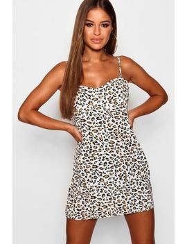 Petite Leopard Print Shift Dress by Boohoo