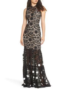 3 D Black & White Floral Lace Gown by Ml Monique Lhuillier