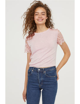 Fine Knitted Top With Lace by H&M