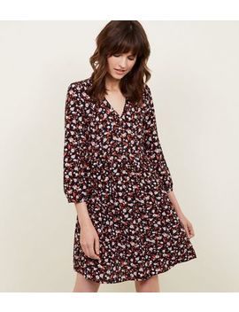 Black Floral V Neck Smock Dress by New Look