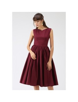 Classic Glamour Sleeveless Midi Dress In Wine by Chicwish