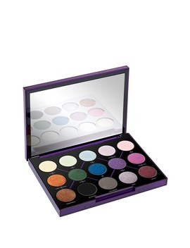 Distortion 15 Color Eyeshadow Palette by Urban Decay