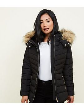 Petite Black Faux Fur Hood Fitted Puffer Jacket by New Look