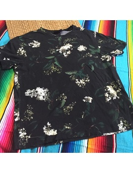 3 For $20 Sale Men Small Allover Floral Print Tee by Poshmark
