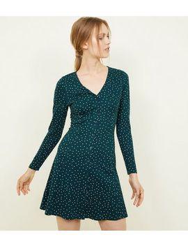 Green Sport Print Long Sleeve Tea Dress by New Look