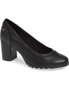 Spaniel Pump by Hush Puppies®