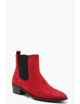 Pointed Toe Chelsea Boots by Boohoo