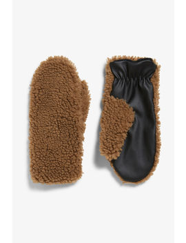 Fluffy Mittens by Monki