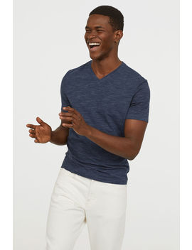 V Ringet T Shirt Slim Fit by H&M