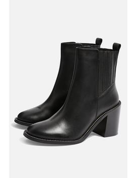 Max Chain Sole Boots by Topshop