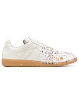Sneakers Mit Pinselstrichen by Maison Margiela