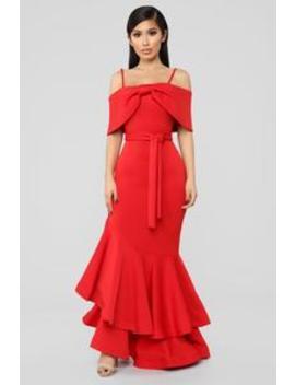 Shoulders High Maxi Dress   Red by Fashion Nova