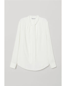 Blouse With Tie Collar by H&M