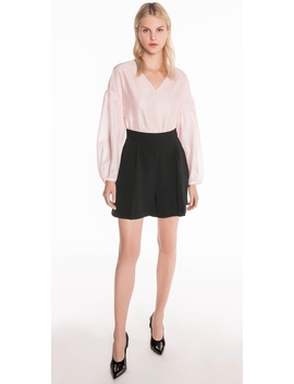High Waist Front Tuck Short by Cue