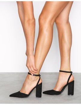 Pointy Strap Block Sandal by Nly Shoes