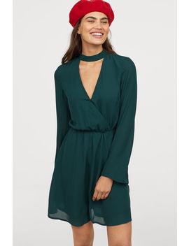 vestido-cruzado-en-v by h&m