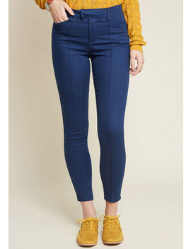 The Richmond Pant In Navy by Modcloth