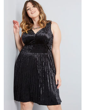 Splendorous Spree Velvet Dress by Modcloth