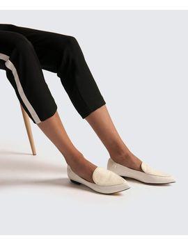 Wanita Flats by Dolce Vita