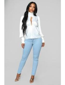 Claudia Stretch High Rise Jeans   Bleach Blue Wash by Fashion Nova