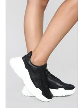 Levels Sneaker   Black by Fashion Nova