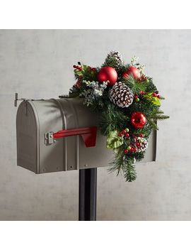 Pre Lit Jolly Green Mailbox Swag by Pier1 Imports
