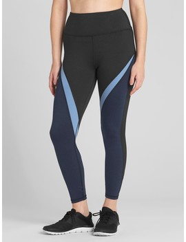 G Fast High Rise Spliced Stripe 7/8 Leggings In Eclipse by Gap