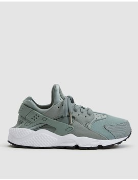 Air Huarache Run Se Sneaker In Mica Green by Nike