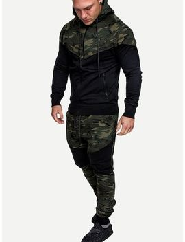 Men Contrast Camo Hooded Jacket With Drawstring Pants by Sheinside
