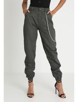 Chain Detail Trouser   Pantaloni by Missguided