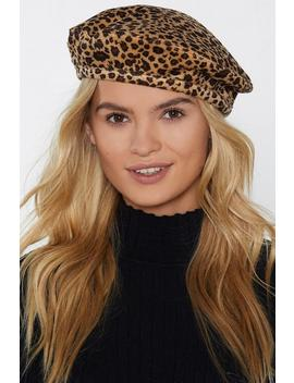 Here And Meow Velvet Leopard Beret by Nasty Gal