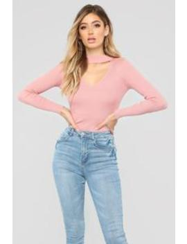 Alecia Choker Neck Sweater   Mauve by Fashion Nova