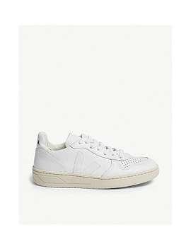 V 10 Leather Trainers by Veja