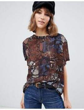 Glamorous Relaxed Top In Snake Print by Glamorous