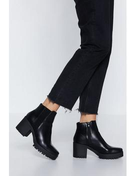 Ribbed Gusset Cleated Chelsea Boot by Nasty Gal