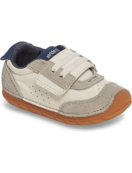Soft Motion Srt Wyatt Sneaker by Stride Rite