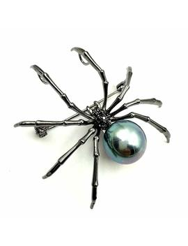 Dreamlandsales Victorian Style Mother Of Pearl Body And Micro Pave Spider Brooches Pins Silver Tone (Black) by Dreamlandsales