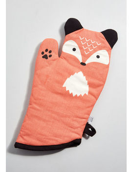 Feast Expected Oven Mitt In Fox by Modcloth