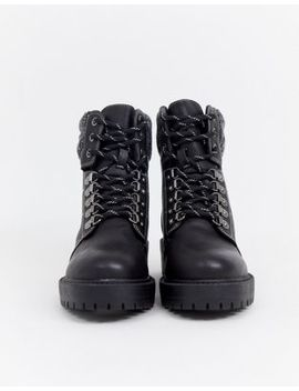 New Look Flat Hiker Boots With Contrast Stitch In Black by New Look